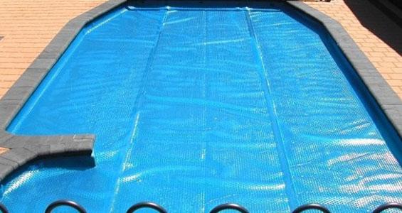 Mantas térmicas para calentar agua de piscina con energía solar
