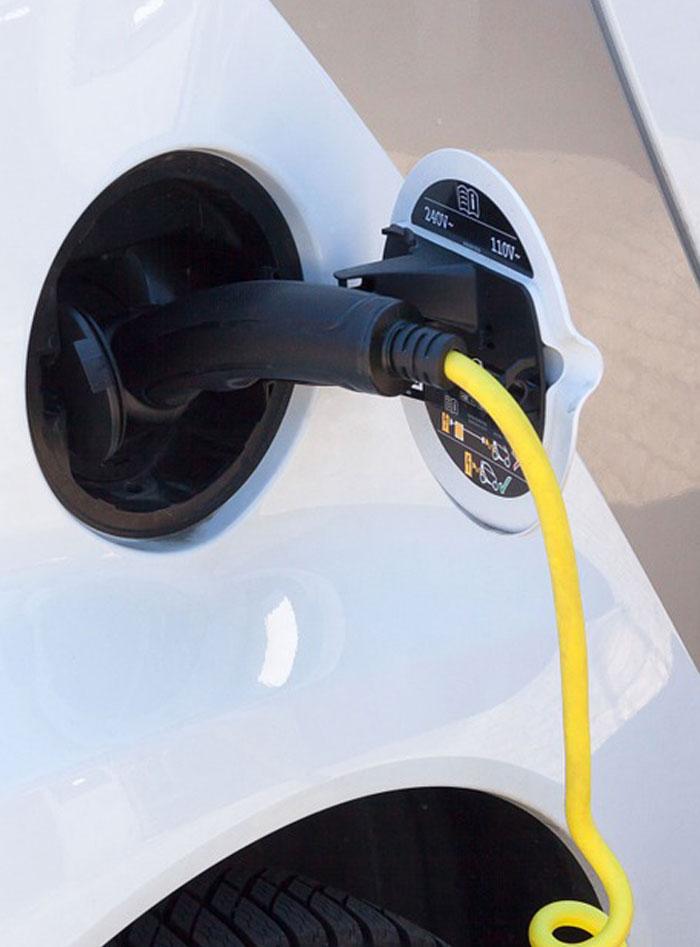 Una recarga de un coche eléctrico