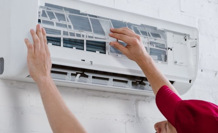 instalación de aire acondicionado en pared
